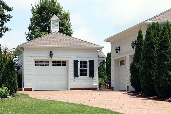 custom home garage