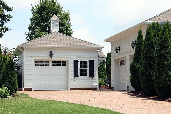 custom home garage