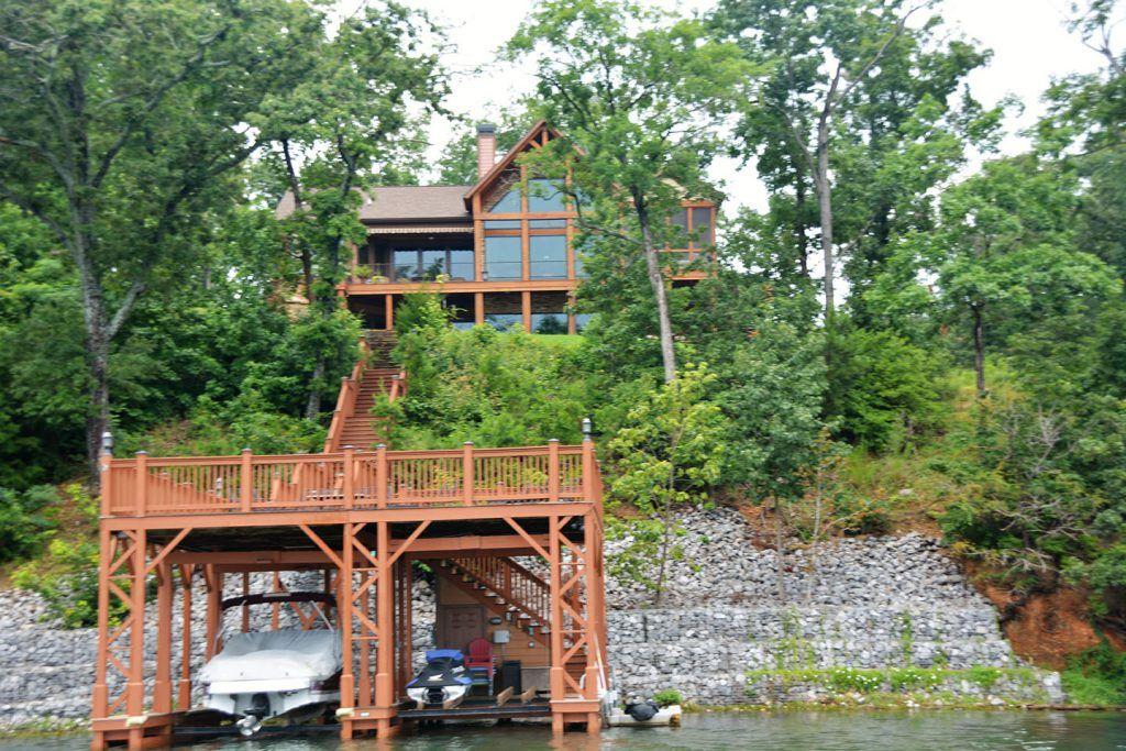 luxury lake home builder